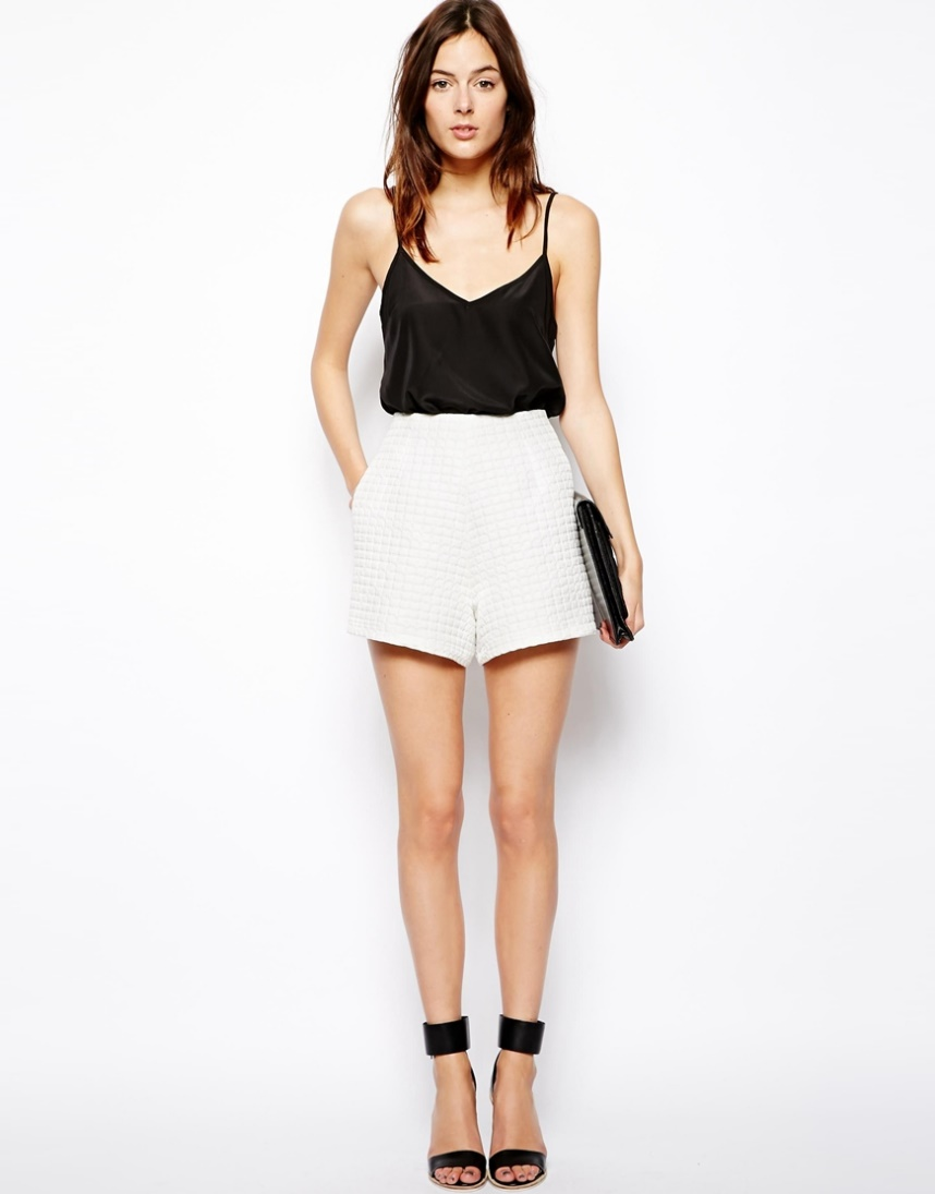 High Waisted White Shorts Outfit